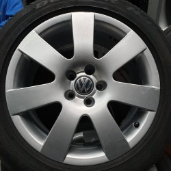 Volkswagen OEM 3D0601025AJ 8,5x18 5x112 ET45 DIA57,1 (silver) Б/У