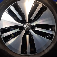 Volkswagen OEM 3G0601025AM 7x17 5x112 ET40 DIA57,1 (BKF) Б/У