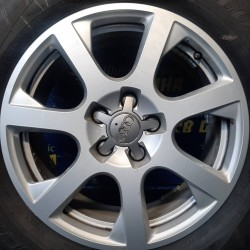 Audi OEM 8R0601025Е 7x17 5x112 ET37 DIA66,6 (silver) Б/У