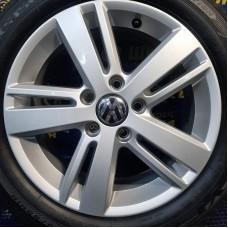 Volkswagen OEM 5K0601025AH 6,5x16 5x112 ET50 DIA57,1 (silver) Б/У