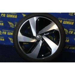 Volkswagen OEM 5G0601025CN 7,5x18 5x112 ET49 DIA57,1 (BKF) Б/У
